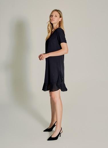 NGSTYLE V Yaka Pliseli Elbise Siyah